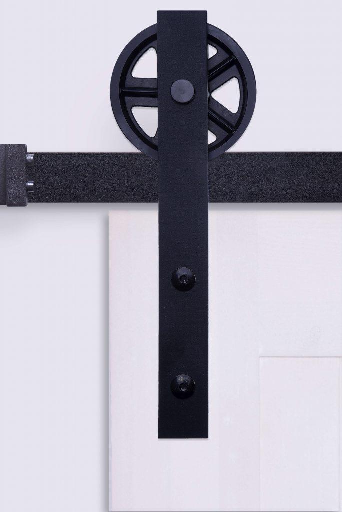 system przesuwny do drzwi, klasyczny, rolki do drzwi, system do drzwi przesuwnych rustykalnych, podkowa, duże rolki jezdne do drzwi, duże koła do drzwi przesuwnych, czarny, czarne