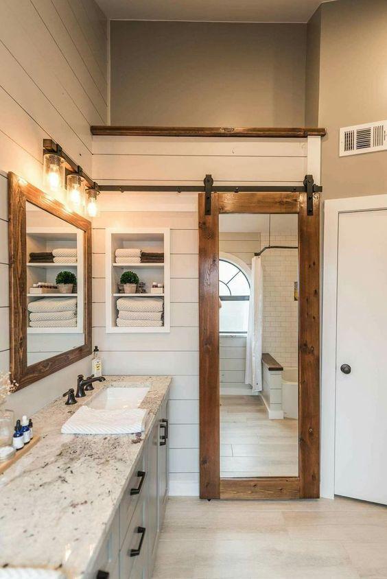 Drzwi z lustrem do łazienki
